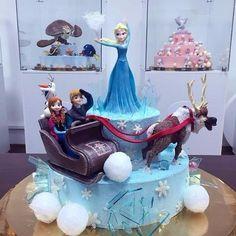 (99+) Однокласники Disney Cakes, Cake Pictures, Cupcake Cookies, Cupcakes, Food Gifts, Disney Frozen, Amazing Cakes, Great Recipes, 3 D