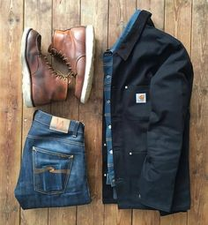 Great example of a workwear layering between a denim jacket and an heavy canvas work jacket. By - Herren Mode Smart Casual Outfit, Casual Outfits, Men Casual, Bar Outfits, Vegas Outfits, Mode Masculine, Carhartt Jacket, Carhartt Workwear, Carhartt Wip