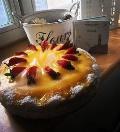 Lucčin kokosový dort  náplň tvarohová s kokosem, politá pomerančovým přelivem