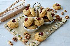 Biscuiti cu nuca - Biscuiti fragezi - Retete culinare by Teo's Kitchen Biscuit, Sweets, Desserts, Recipes, Food, Tailgate Desserts, Deserts, Gummi Candy, Candy