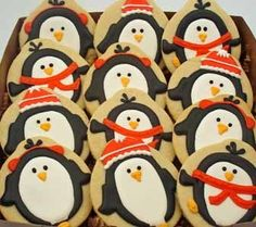 penguin cookies... oh my goodness i'm gonna make them just because they're so adorable!