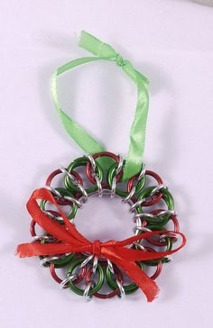 Chainmaille Holiday Wreath / Chainmaille Christmas Wreath / Red and Green Chainmaille Wreath / Steampunk Wreath / Steampunk Christmas Wreath