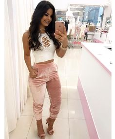 It feeling the top, but velvet joggers? Girl Fashion, Fashion Looks, Fashion Outfits, Womens Fashion, Cool Outfits, Summer Outfits, Casual Outfits, Latest Fashion Design, Mode Chic