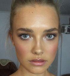 @wtvmaddy ✨ | #makeup #beauty #eyes #eyemakeup #blush #girl #pretty #lipstick Fresh Face Makeup, Glowy Makeup, Natural Makeup, Strobing Makeup, Beauty Makeup, Hair Beauty, Cool Makeup Looks, Cute Makeup, Simple Makeup