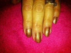 Gorgeous gold shellac, looks so glam! Did this on my mum as she has now realised the 2 weeks chip free benefit of shellac over normal nail polis!