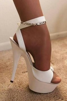 I Love these gorgeous shoes, perfect for a sissy party maid, serving a superior wife/mistress keeping all her friends suplied with drinks & Nibbles & won't get the front scuffed while sissy is on her knees taking care of special requests Sexy Legs And Heels, Hot High Heels, White Heels, Platform High Heels, High Heel Boots, Stilettos, Stiletto Heels, Shoes Heels, Pantyhose Heels