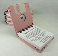 Love this floppy note pad ! but i do not remember pink floppies ever existed :-) Diy And Crafts, Paper Crafts, Floppy Disk, Ideias Diy, Book Binding, Book Making, Diy Projects To Try, Diy Gifts, Stationery