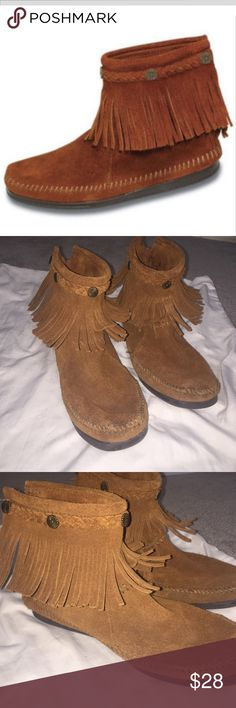 Minnetonka Fringe Booties Size 8 fringe Minnetonka booties, great condition hardly worn. Minnetonka Shoes Ankle Boots & Booties