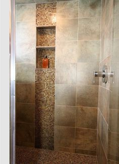 shower accent tile design - nice combination of large and small tiles, accent matching floor Niche Design, Bath Design, Vertical Shower Tile, Schluter Shower, Shower Accent Tile, Shower Niche, Master Shower, Shower Bathroom, Bathroom Small
