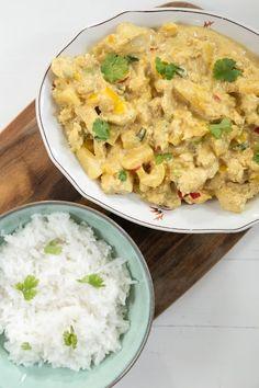 Hirsitalon keittiössä: Intialainen kanacurry Garam Masala, Curry, Pizza, Ethnic Recipes, Food, Pineapple, Red Peppers, Curries, Eten