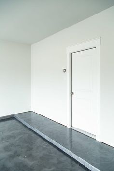 Our DIY Rust-Oleum RockSolid Garage Floor – Love & Renovations Patio Flooring, Basement Flooring, Concrete Floors, Rustoleum Garage Floor Epoxy, Epoxy Floor, Garage Floor Coatings, Concrete Garages, Garage Interior, Painting Concrete