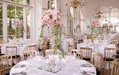 Creating the Wow Factor with Your Wedding Flowers | The Wedding Community