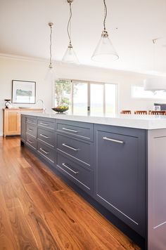 """The """"SHAKER"""" Door Tips for achieving the perfect Shaker style in your home:- Hamptons Kitchen, Hamptons House, The Hamptons, Timber Kitchen, Kitchen Doors, Kitchen Dining, Shaker Style Doors, Shaker Style Kitchens"""