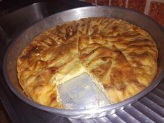 Αφράτη και πεντανόστιμη  Μακαρονοπιτα που θα γίνει εύκολα και γρήγορα Macaroni And Cheese, Pie, Pasta, Ethnic Recipes, Desserts, Food, Cakes, Torte, Tailgate Desserts