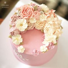 Buttercream Cake Decorating, Buttercream Flower Cake, Flower Cupcakes, Beautiful Desserts, Beautiful Cakes, Amazing Cakes, Fondant Cakes, Cupcake Cakes, Lily Cake