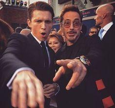stark Parker(Robert Downey Jr with Tom Holland) Marvel Avengers, Avengers Cast, Marvel Actors, Marvel Funny, Avengers Series, Tony Stark, Iron Man, Siper Man, Robert Downey Jr.