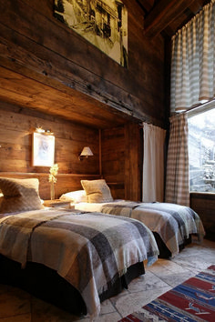 Home Decor – Bedrooms : Luxury French ski chalet bedroom with rustic reclaimed unfinished wood walls, flannel plaid duvet covers, shaded wall sconces, and gray and white patterned curtains . Cabin Homes, Log Homes, Home Bedroom, Bedroom Decor, Bedroom Storage, Bedroom Ideas, Master Bedroom, Bedroom Suites, Queen Bedroom