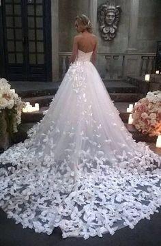 "shorenaratiani:  ""Bridal gown  """