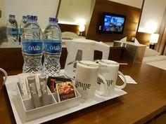 Business trip with comfortable room. Good choice   #hotel #hotelroom #hotelroomview #minibar #hoteltangerang #tangeranghotel #allium #alliumhoteltangerang #alliumhotel #businesstrip #weekday #tangerang #instapic #instaphoto #instahotel #instatangerang #instabusiness #instatrip #instaroom #instalike #instalove by kamariahotelrooms