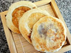Sweet pancakes with brown sugar syrup filling (HoDteok)