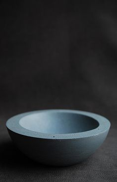 Blue concrete bowl for jewelry storage1   by FaceOfMoonDesign