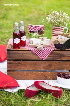 Zwei leckere Picknick Rezepte mit Géramont: Kichererbsen Salat im Glas und Käse Sandwiches. Perfekt für ein Picknick zu zweit!
