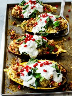 with Date Almond Couscous and Mint Recipe DELICIOUS - Delicious vegetable boats with an oriental filling. -Eggplant with Date Almond Couscous and Mint Recipe DELICIOUS - Delicious vegetable boats with an oriental filling. Mint Recipes, Vegetable Recipes, Vegetarian Recipes, Cooking Recipes, Healthy Recipes, Snacks Recipes, Pizza Recipes, Comida Armenia, Law Carb