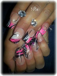 Cuuuuuute black n pink design Line Nail Designs, Creative Nail Designs, Beautiful Nail Designs, Beautiful Nail Art, Creative Nails, Acrylic Nail Designs, Acrylic Nails, Crazy Nails, Fancy Nails
