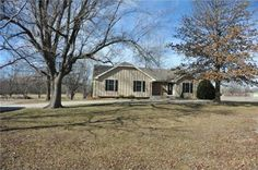 20120 S Countryview Dr, Spring Hill, KS 66083