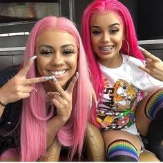 Which pink you like better? light one or dark one Curly Girls, Sisters Goals, Hair Inspo, Hair Inspiration, Cute Hairstyles, Black Girls Hairstyles, Squad Goals, Bff Goals, Hair Goals