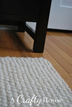 Chunky Seed Stitch Knit Rug Pattern from A Crafty House