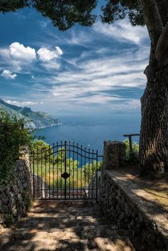 "bonitavista: "" Amalfi Coast, Italy photo via jennifer """
