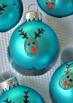 Love these self made ornaments for the Christmas tree. And they are so easy to make