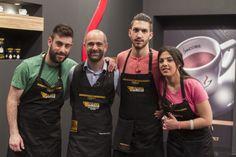 Ο barista Τάσος Μοσχόπουλος με την ομάδα του