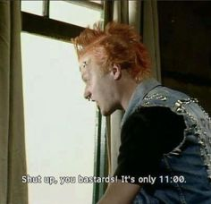 The Young Ones' ~ 'Vyvyan Basterd' was superbly portrayed by the brilliant Adrian Edmondson British Humor, British Comedy, English Comedy, Ade Edmondson, Slc Punk, Rik Mayall, Classic Tv, Best Tv, Funny People
