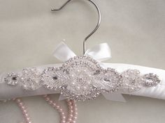 VENTA acolchado boda vestido de percha blanco o por Modarage