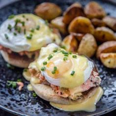 Eggs Benedict made with Smoked Salmon (not lox). A delicious salmon filet slow smoked until tender and delicious, topped with a perfect poached egg and a flavorful and easy blender hollandaise sauce. Perfect for Mother's Day Brunch! Smoked Salmon And Eggs, Smoked Salmon Recipes, Salmon Eggs, Smoked Beef Short Ribs, Smoked Pulled Pork, Smoked Brisket, Rib Recipes, Brunch Recipes, Breakfast Recipes