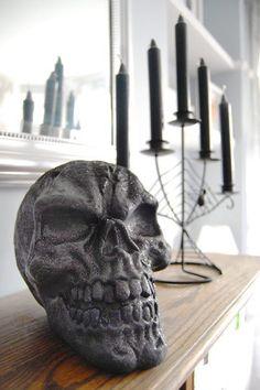 20 Spooktacular DIY Halloween Decorations: Glitter Skull