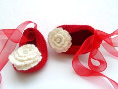 MADE TO ORDER, Baby Crochet Shoes, Warm Baby Gift, Baby Girl Shoes by ManCrochets on Etsy https://www.etsy.com/listing/120447762/made-to-order-baby-crochet-shoes-warm