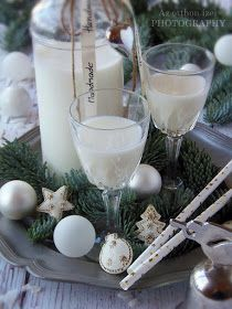 Limoncello, Dessert Recipes, Desserts, Glass Of Milk, Smoothies, Recipies, Food And Drink, Presents, Cooking Recipes