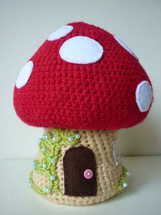 crochet toadstool and gnomes tutorial