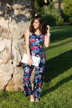 Summer jumpsuit with white and flowers 5-8-2014  Mono/Jumpsuit – Primark (ss 14) Sandalias/Shoes – Stradivarius (ss 14)  Bolso/Bag – Primark