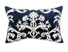 Mackie Small Rectangle Pillow Navy Velvet / White Linen (14 x 22) L133AMW-L