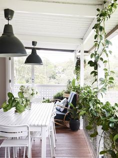 Amber Creswell Bell and Andy Bell - The Design Files Outdoor Areas, Outdoor Rooms, Outdoor Living, Outdoor Decor, Outdoor Balcony, Andy Bell, Interior And Exterior, Interior Design, Lower Lights