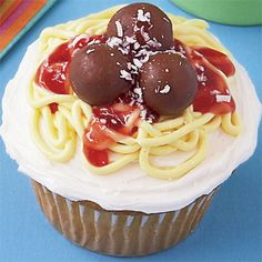 spaghetti and meatballs cupcake