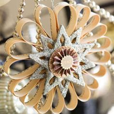 Turn newspaper or old books into paper star ornament
