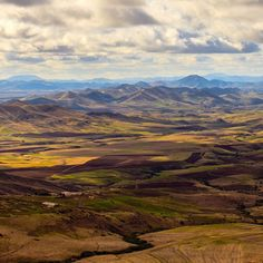 Picture Spot: ito @ Middle Atlas #Morocco #Maroc #landscape #nature #mountains #wilderness #panorama #travel #voyage #magazine #ipad