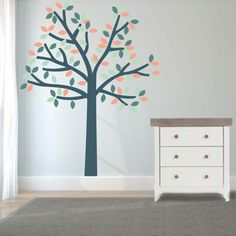 Zoek je een mooie boomsticker op de muur, kleur naar keuze?   KidZstijl.nl