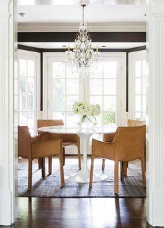 Contemporary leather dining chairs with a modern table and crystal chandelier - Home Interior Design Ideas Room Design, Eclectic Dining, Interior, Disc Interiors, Leather Dining Chairs, Dining Room Decor, Dining Room Inspiration, Dining Chairs, Interior Design