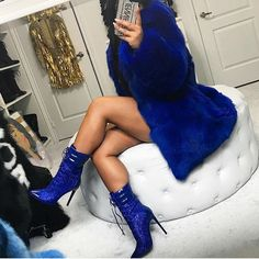 Image shared by queen_eni. Find images and videos about fashion, blue and outfit on We Heart It - the app to get lost in what you love. Fur Fashion, Fashion Killa, Love Fashion, Womens Fashion, Style Fashion, Chic Outfits, Fashion Outfits, Pinterest Fashion, Passion For Fashion